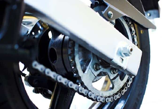 Motorcycle: Know the importance of cleaning and lubricating your bike's chain
